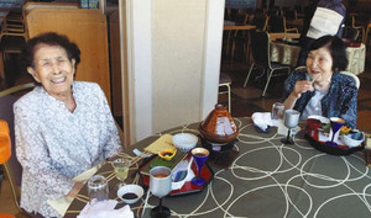 施設の高齢者 外食で笑顔 管理栄養士監修、和倉で提供