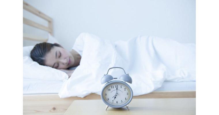 長く眠ると健康に悪い? 死亡率と睡眠の意外な関係|ナショジオ|NIKKEI STYLE
