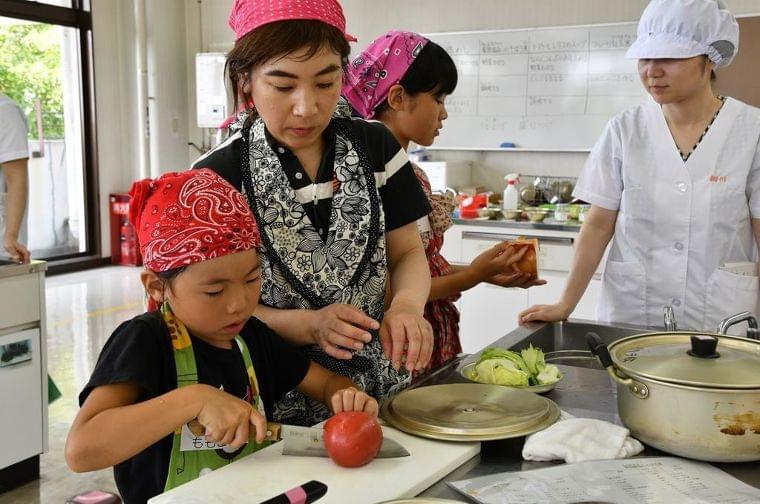 「給食に関心を」大阪・高槻で親子料理教室 - 産経ニュース
