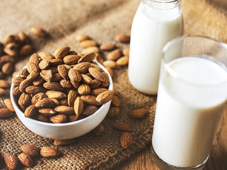栄養たっぷりで低カロリー!「ボタニカルミルク」の魅力とは | マイナビニュース