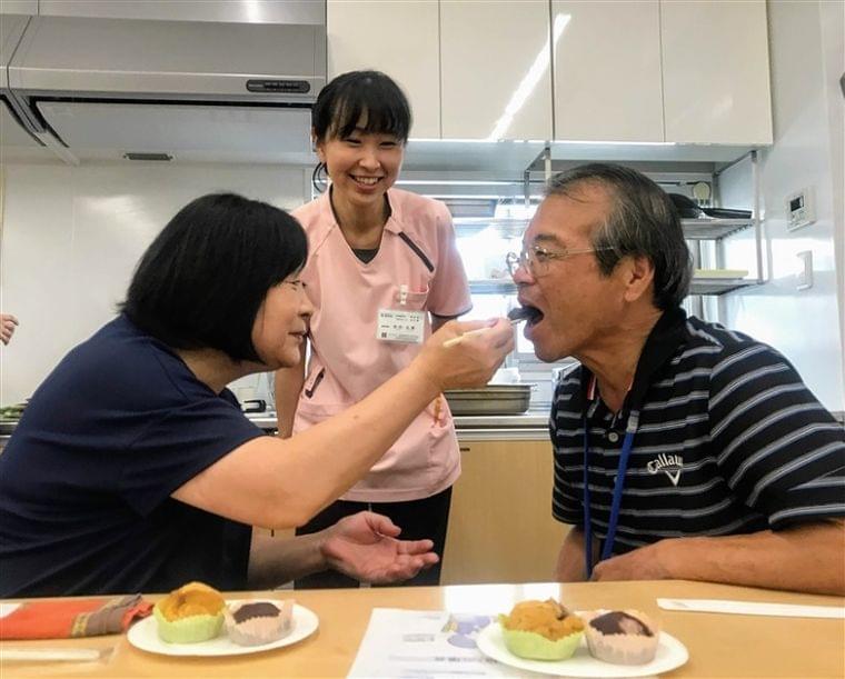 食べる、人生の喜び 誤嚥防ぐ工夫 特養栄養士が講座 調理や姿勢 在宅介護の一助に|【西日本新聞ニュース】
