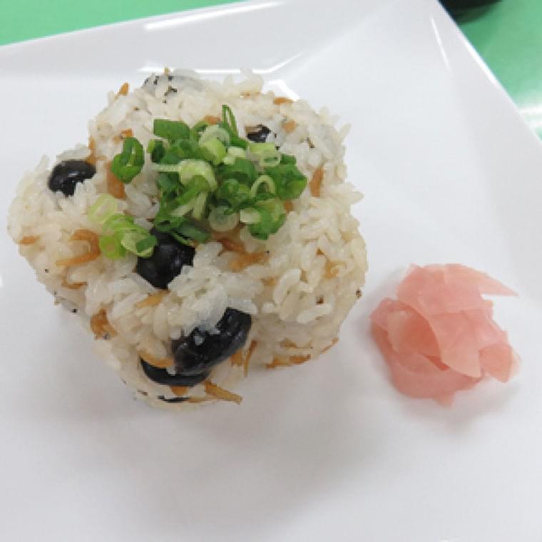 黒大豆とシラスの簡単炊き込みご飯 : yomiDr. / ヨミドクター(読売新聞)