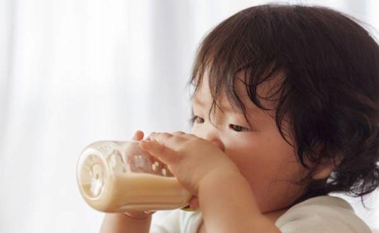 フォローアップミルクは与えるべき?余ったときの利用法は?【医師監修】(2019年10月30日)|ウーマンエキサイト(1/3)