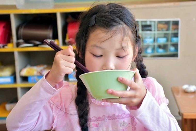 足立区の「おいしい給食革命」が生んだ愛のスパイラル、名古屋市「質素すぎる学校給食」問題から考える(アーバン ライフ メトロ) - Yahoo!ニュース