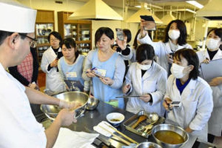 「和食給食」の献立提案 いわきで料理人実演、和食文化を継承:福島民友ニュース:福島民友新聞社 みんゆうNet