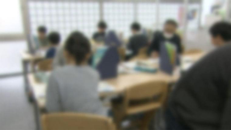 止まらない感染拡大 「学校給食」にも異変が... 小学校の風景一変 - FNN.jpプライムオンライン