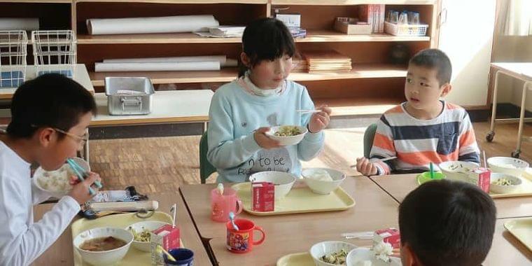 小学校給食に「減塩鍋」登場 児童ら健康への関心高める | 京都新聞