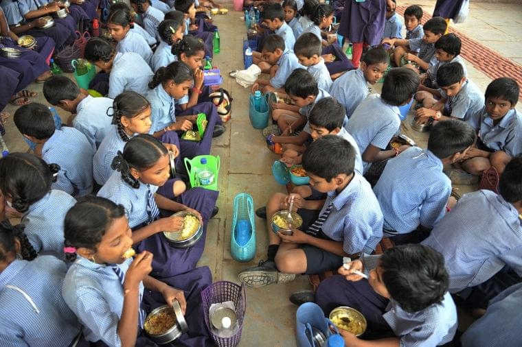 給食に頼る児童3億人、休校措置で給食の機会失う 国連機関(AFP=時事) - Yahoo!ニュース