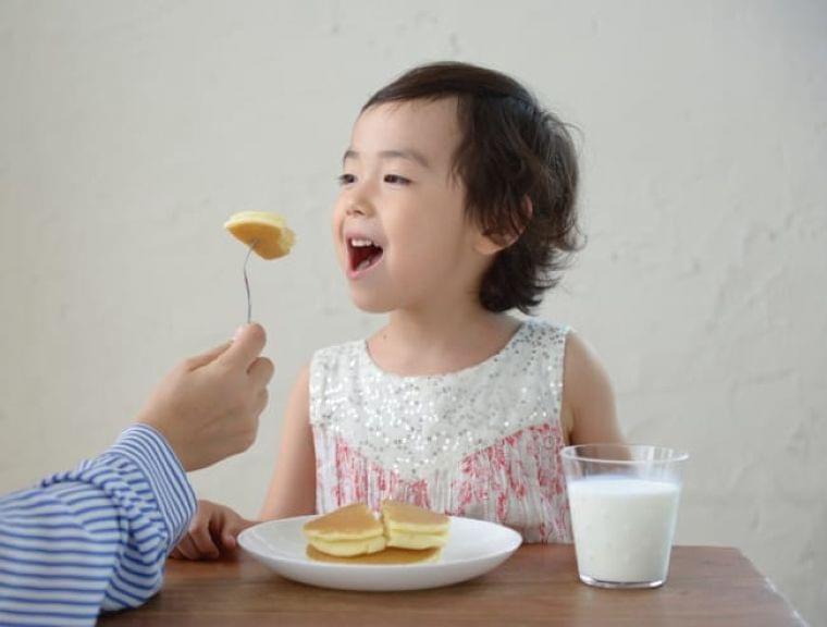 「お菓子」食べ過ぎが子どもの偏食生む、欲求抑える3つの方法 | ニコニコニュース