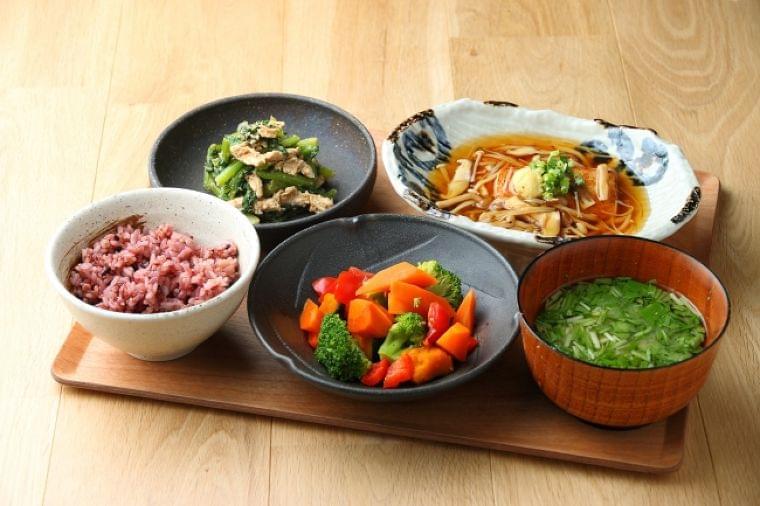 """""""こんなときだから伝えたい、カラダづくりの大切さ"""" 東京アスリート食堂 管理栄養士監修「お家でアスショクを作って食べよう!」レシピを公開:時事ドットコム"""