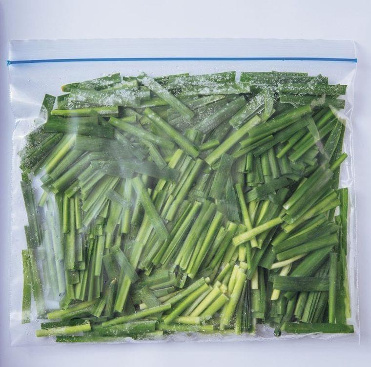 野菜を長持ちさせる冷凍保存テク。凍ったまま調理もできる(ESSE-online) - Yahoo!ニュース
