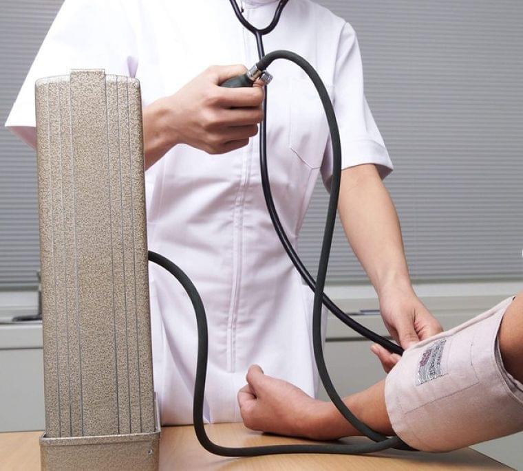 """""""コロナ・ストレス""""で「仮面高血圧」が急増 普段は高血圧でも病院では正常値…なぜ?(まいどなニュース) - goo ニュース"""