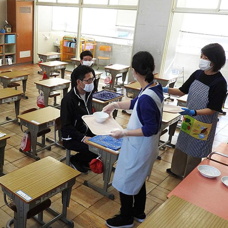 学校給食、手探りの感染対策 6月再開不安拭えず | 岐阜新聞Web
