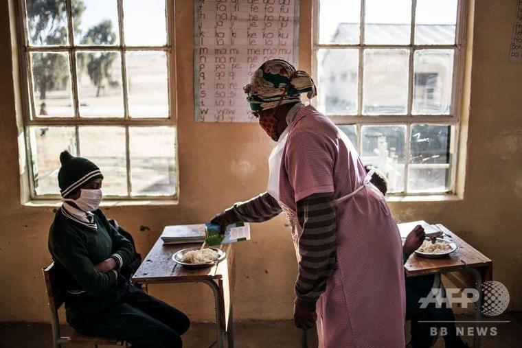 学校閉鎖が奪う教育と食事、新型コロナ 南ア 写真18枚 国際ニュース:AFPBB News