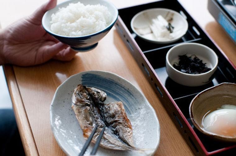 嚥下調整食2以下の介護食の作り方…ペースト状に不向きな食べ物など [介護] All About