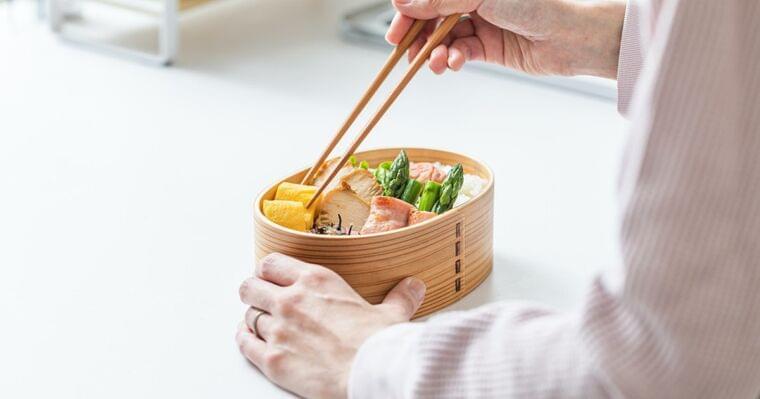 クックパッドニュース:[食中毒予防のお弁当作り]手指の傷を介して発生する食中毒に注意! - 毎日新聞