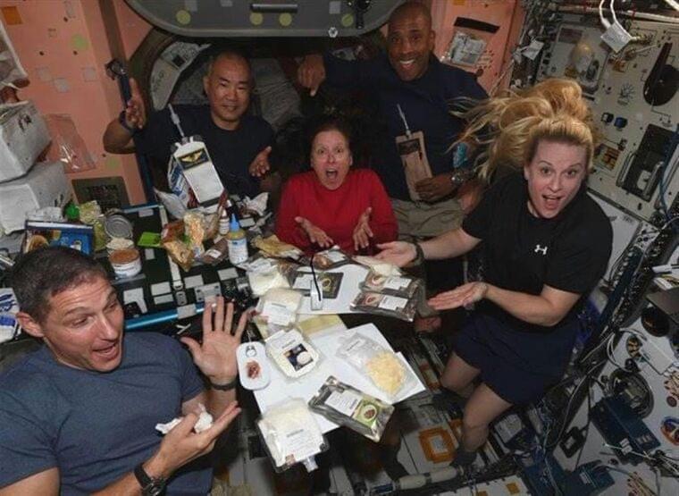 野口さんがISSから初ツイッター 和食で米感謝祭祝う - SankeiBiz(サンケイビズ):自分を磨く経済情報サイト