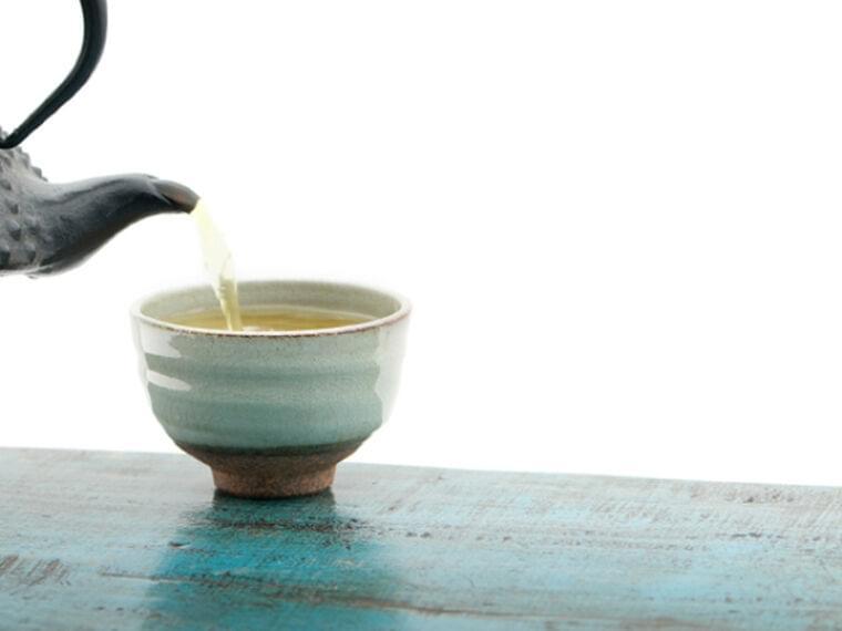 「緑茶」は1日に何杯飲むといい? 糖尿病や認知症のリスクを下げるという報告も   MYLOHAS