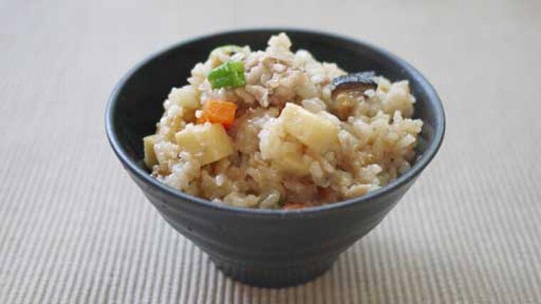 お餅de中華風おこわ…いつも米でも、餅と一緒に炊き上げる : yomiDr./ヨミドクター(読売新聞)