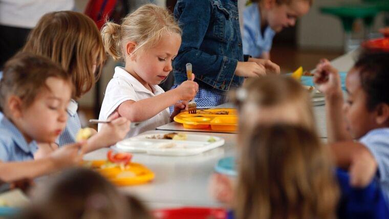 突然の学校閉鎖、英国1500万人分の給食がごみに 緊急事態宣言の日本は大丈夫か?(井出留美) - 個人 - Yahoo!ニュース