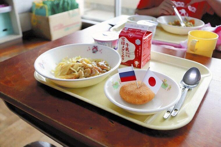 「牛丼は実は豚丼」「カレーに肉なし」と疑われた県内最安の給食費、12年ぶり値上げ : 社会 : ニュース : 読売新聞オンライン
