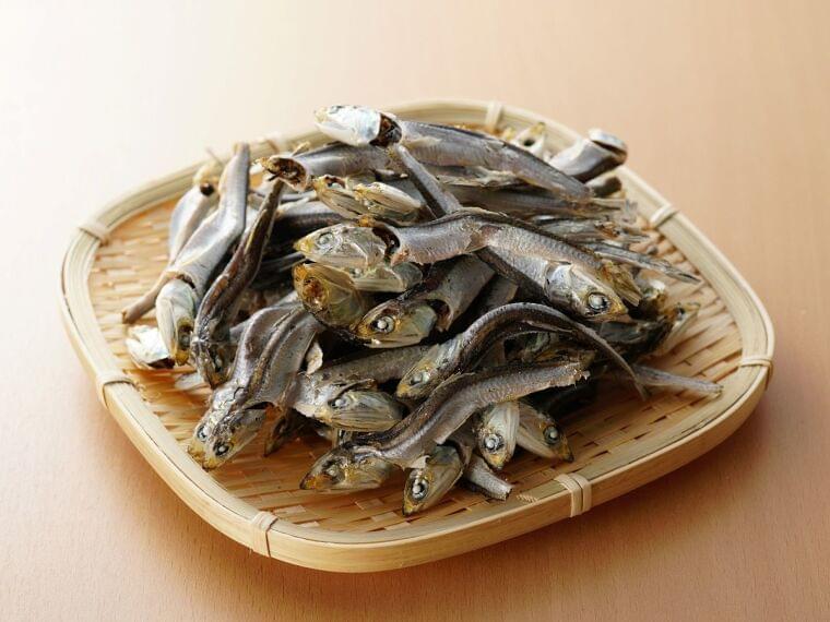 減塩・薄味でも美味しく!煮干し・煮干し出汁の栄養素・健康効果 [食と健康] All About