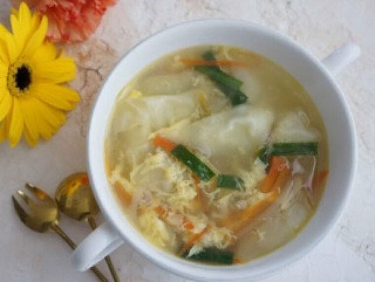 ワンタンの皮スープ…なぜ「皮」 給食ならではの事情 : yomiDr./ヨミドクター(読売新聞)