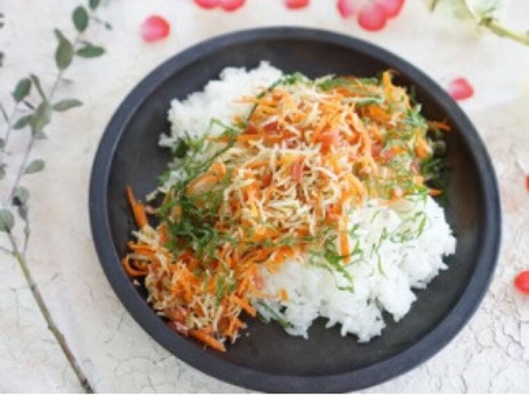 カリカリ梅とシラスの混ぜご飯…栄養も、しっかりと取れる | ヨミドクター(読売新聞)