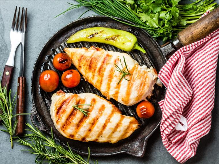 「サラダチキン」と「鶏むね肉」の魅力を管理栄養士がレクチャー。簡単おすすめレシピ2選   MYLOHAS