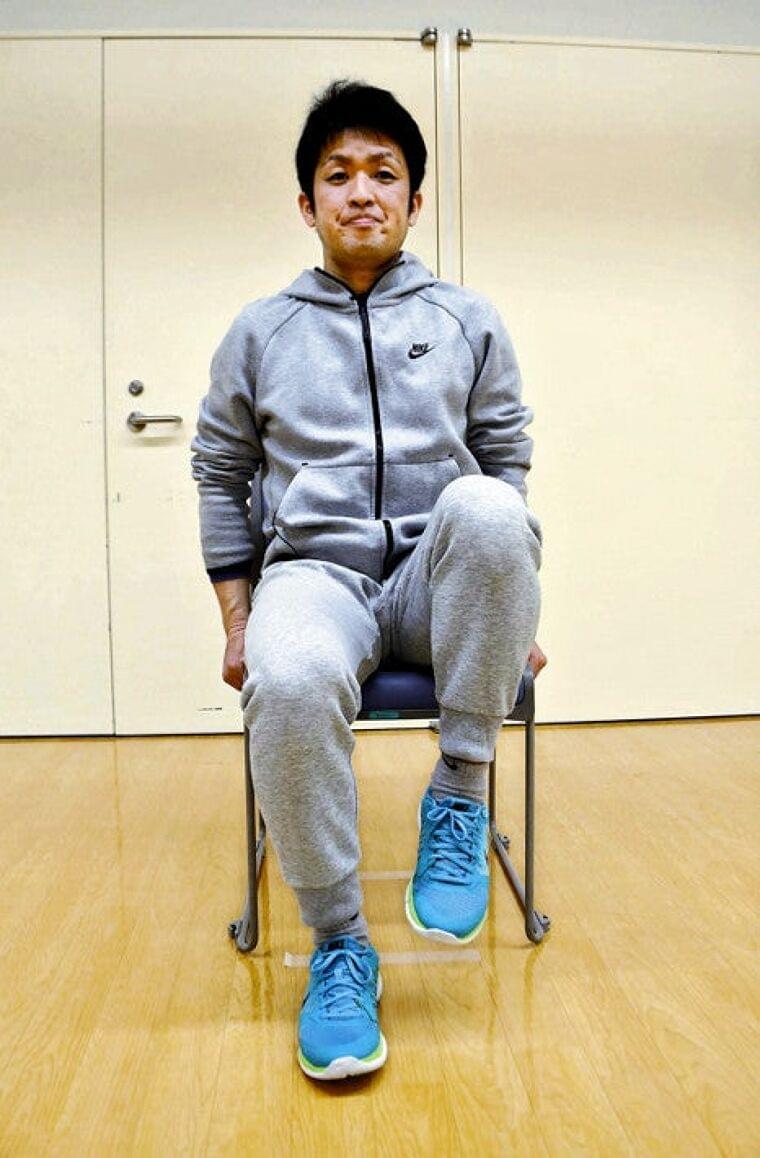 座りながらもも上げ : レッツトライ! : #フレイル予防中! : 医療・健康 : 読売新聞オンライン