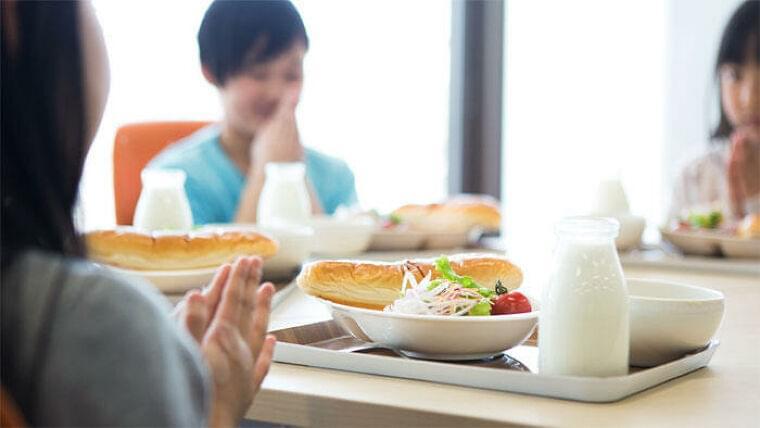 給食の着席時間を10分増やすと、子どもの野菜・果物の残食が減る 米国で調査