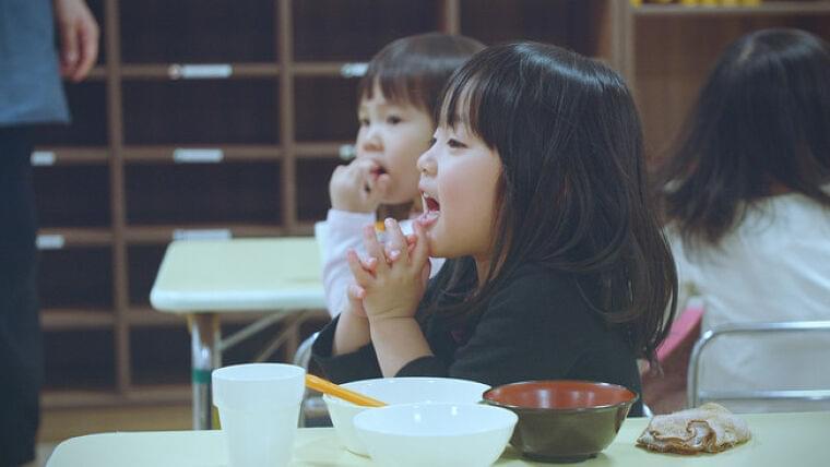 保育施設への給食関連サービス事業「すくすくOisix」 豊かな食の体験機会を創出する『 子どもたちが「食べる」をもっと好きになる給食プロジェクト 』を開始 オイシックス・ラ・大地株式会社のプレスリリース