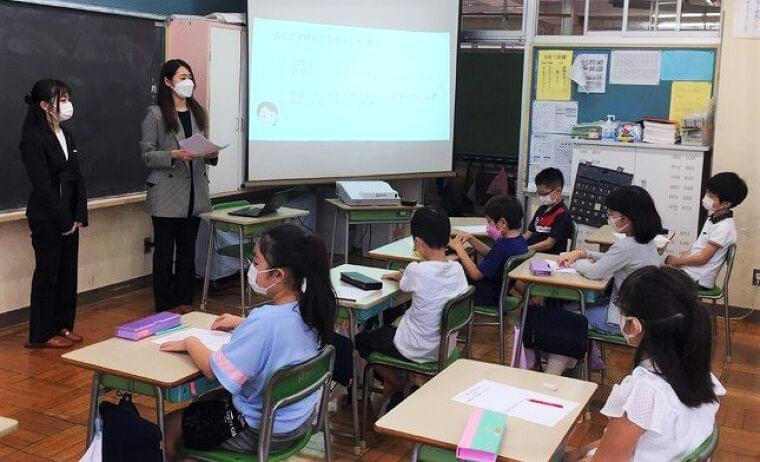 給食企業の葉隠友進、都内小学校で「SDGsと給食」をテーマに特別授業|食品産業新聞社ニュースWEB