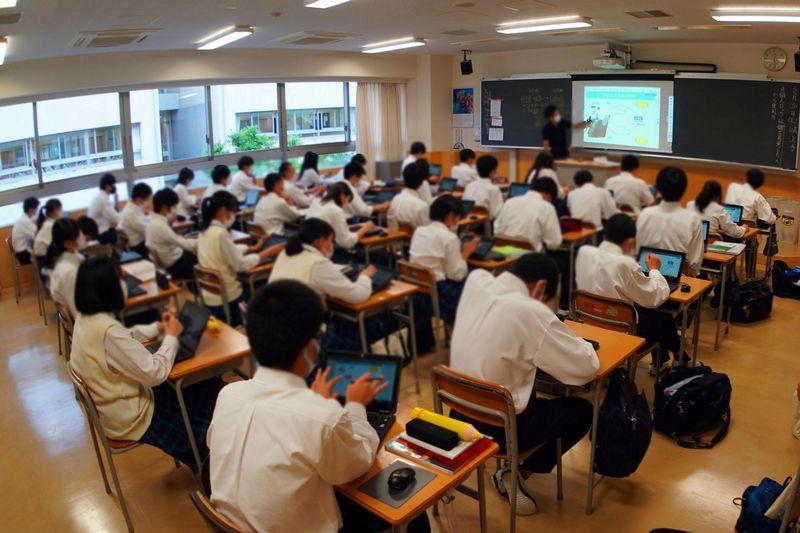 京都産業大学附属高等学校がChromebookを470台超導入したわけ――一歩先行く意識が功を奏したオンライン授業への取り組みとこれから