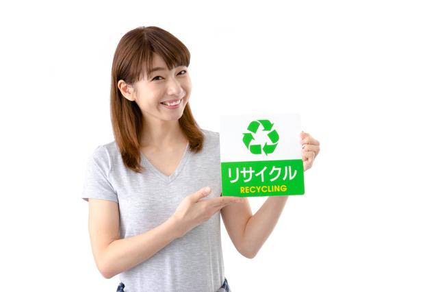 金庫の処分をリサイクル業者に依頼する人
