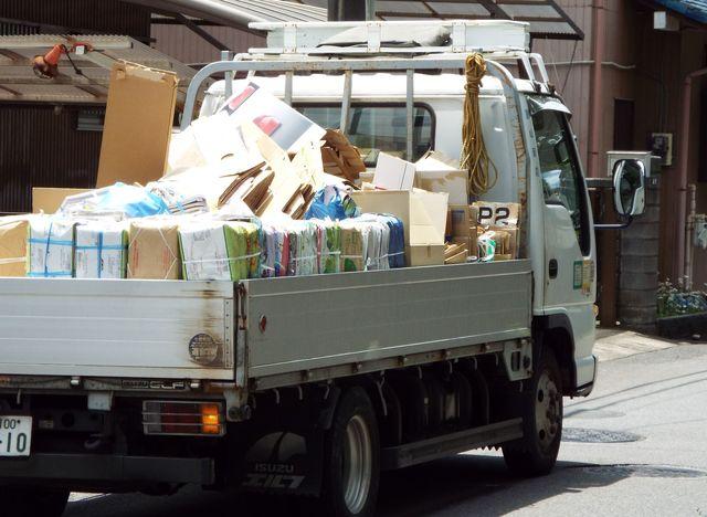 無料の不用品回収車