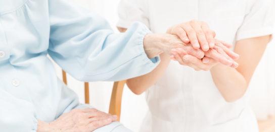 高齢者福祉施設で暮らす人