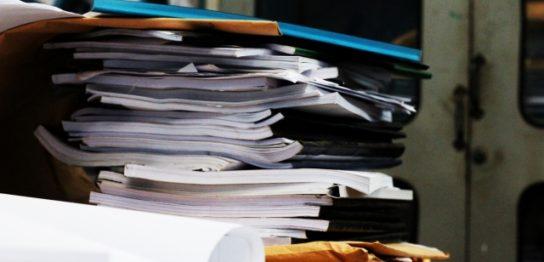 断捨離で紙類を処分する
