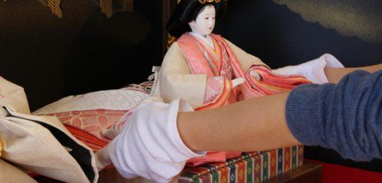 丹州華觀音寺の人形供養祭に並べられる人形