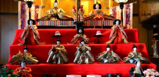 観音寺の人形供養祭の様子