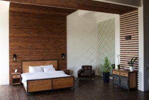 木目調の壁紙に張り替えて落ち着きのある寝室木目調の壁紙に張り替えて落ち着きのある寝室の画像