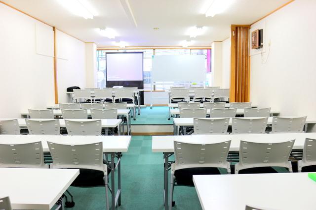 新宿・新宿三丁目の40名以上入れる貸し会議室なら会議室倶楽部RoomB貸し会議室の画像4
