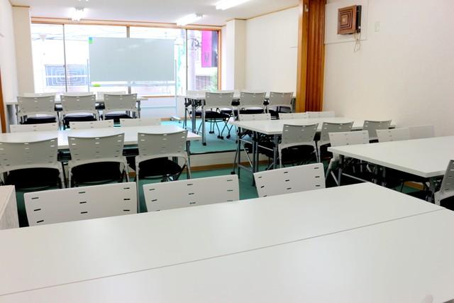 新宿・新宿三丁目の40名以上入れる貸し会議室なら会議室倶楽部RoomB貸し会議室の画像9