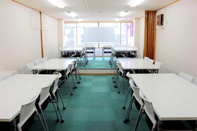 新宿・新宿三丁目の40名以上入れる貸し会議室なら会議室倶楽部RoomB貸し会議室の画像10