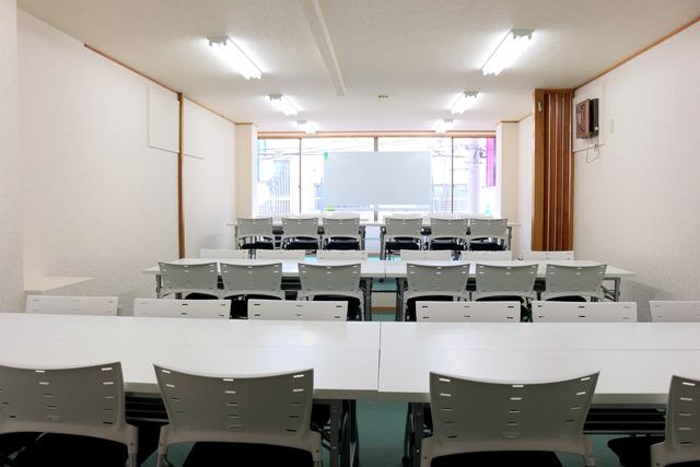 新宿・新宿三丁目の40名以上入れる貸し会議室なら会議室倶楽部RoomB貸し会議室の画像11