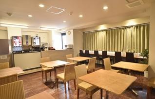 キッチン付きカフェ「Luggage Room Cafe」