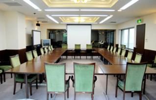 6階大会議室(最大48名収容)