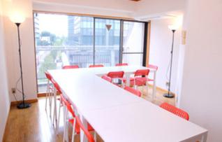 貸し会議室・セミナールーム(最大14名収容)