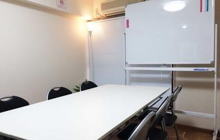 小貸し会議室(最大8名収容)