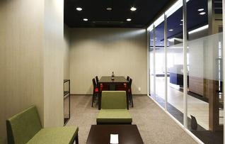 貸し会議室(8名用)